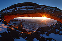 /images/133/2013-12-05-canyons-mesa-1d4_1872.jpg - #11382: Sunrise at Mesa Arch in Canyonlands National Park … December 2013 -- Mesa Arch, Canyonlands, Utah