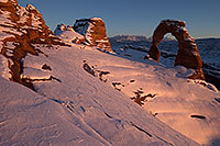 /images/133/2013-12-08-delicate-top-1dx_0420.jpg - #11381: Snow at Delicate Arch in Arches National Park … December 2013 -- Delicate Arch, Arches Park, Utah