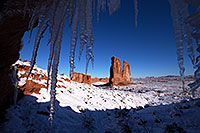 /images/133/2013-12-11-arches-courthice-1dx_2455.jpg - #11396: Icicles and Courthouse Towers in Arches National Park … December 2013 -- Courthouse Towers, Arches Park, Utah