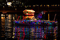 /images/133/2013-12-14-tempe-boats-1dx_6086.jpg - #11412: APS Fantasy of Lights Boat Parade … December 2013 -- Tempe Town Lake, Tempe, Arizona