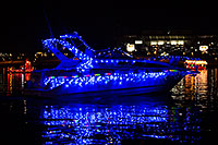 /images/133/2013-12-14-tempe-boats-1dx_6189.jpg - #11413: APS Fantasy of Lights Boat Parade … December 2013 -- Tempe Town Lake, Tempe, Arizona