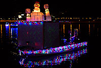 /images/133/2013-12-14-tempe-boats-1dx_6366.jpg - #11414: APS Fantasy of Lights Boat Parade … December 2013 -- Tempe Town Lake, Tempe, Arizona