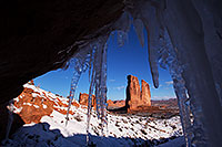 /images/133/2013-12-24-arches-court-ice-1dx_7991.jpg - #11449: Courthouse Towers in Arches National Park … December 2013 -- Courthouse Towers, Arches Park, Utah