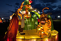 /images/133/2014-02-04-fhills-chin-tig-5d2_1665.jpg - #11751: Xiang Long Fu Hu can defeat the tiger and the dragon - Chinese New Year Lanterns … February 2014 -- Fountain Hills, Arizona