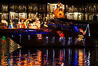 /images/133/2014-12-13-tempe-boats-1x_11377.jpg - #12334: APS Fantasy of Lights Boat Parade … December 2014 -- Tempe Town Lake, Tempe, Arizona