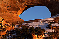 /images/133/2015-01-09-wilson-arch-1dx_1306.jpg - #12351: Evening at Wilson Arch .. January 2015 -- Wilson Arch, Utah