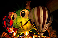 /images/133/2015-01-16-havasu-glow-1dx_5137.jpg - #12367: Balloons in Lake Havasu … January 2015 -- Lake Havasu City, Arizona
