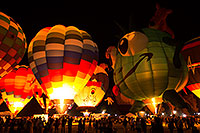 /images/133/2015-01-18-havasu-glow-1dx_1260.jpg - #12389: Balloons in Lake Havasu … January 2015 -- Lake Havasu City, Arizona