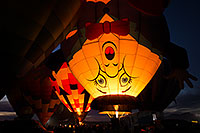 /images/133/2015-01-18-havasu-glow-w63-1dx_0978.jpg - #12394: Balloons in Lake Havasu … January 2015 -- Lake Havasu City, Arizona