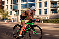/images/133/2015-11-15-ironman-bike-6d_4615.jpg - #12702: 01:14:25 #102 Caroline Martineu [12th,CAN,09:37:18] cycling at Ironman Arizona 2015 … November 2015 -- Rio Salado Parkway, Tempe, Arizona
