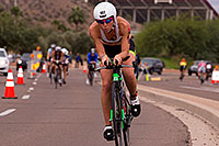 /images/133/2015-11-15-ironman-bike-6d_5301.jpg - #12729: 04:38:55 #102 Caroline Martineau [12th,CAN,09:37:18] cycling at Ironman Arizona 2015 … November 2015 -- Rio Salado Parkway, Tempe, Arizona