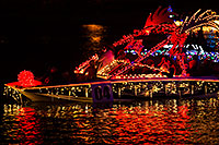 /images/133/2015-12-12-tempe-aps-lights-1dx_02562.jpg - #12785: Boat #04 at APS Fantasy of Lights Boat Parade … December 2015 -- Tempe Town Lake, Tempe, Arizona