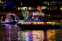 /images/133/2015-12-12-tempe-aps-lights-1dx_03228.jpg - #12796: Boat #08 at APS Fantasy of Lights Boat Parade … December 2015 -- Tempe Town Lake, Tempe, Arizona