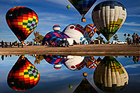 /images/133/2016-01-17-havasu-refl-1dx_07516.jpg - 12879: Balloon reflections in Lake Havasu … January 2016 -- Lake Havasu City, Arizona