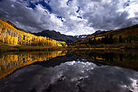 /images/133/2016-10-01-sneffels-pond-ref-1dx_26147.jpg - #13107: Mount Sneffels reflection … October 2016 -- Mount Sneffels, Colorado