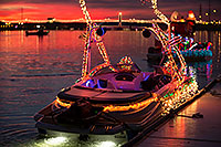 /images/133/2016-12-10-tempe-aps-lights-1dx_31592.jpg - #13208: Boat #40 at APS Fantasy of Lights Boat Parade … December 2016 -- Tempe Town Lake, Tempe, Arizona
