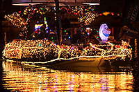 /images/133/2016-12-10-tempe-aps-lights-1dx_31822.jpg - #13218: Boat #28 at APS Fantasy of Lights Boat Parade … December 2016 -- Tempe Town Lake, Tempe, Arizona