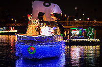 /images/133/2016-12-10-tempe-aps-lights-1dx_32042.jpg - #13225: Boat #32 at APS Fantasy of Lights Boat Parade … December 2016 -- Tempe Town Lake, Tempe, Arizona