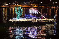 /images/133/2016-12-10-tempe-aps-lights-1dx_32193.jpg - #13230: Boat #09 at APS Fantasy of Lights Boat Parade … December 2016 -- Tempe Town Lake, Tempe, Arizona
