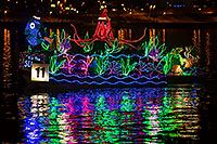 /images/133/2016-12-10-tempe-aps-lights-1dx_32356.jpg - #13235: Boat #11 at APS Fantasy of Lights Boat Parade … December 2016 -- Tempe Town Lake, Tempe, Arizona