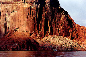 along Lake Powell … views from the boat