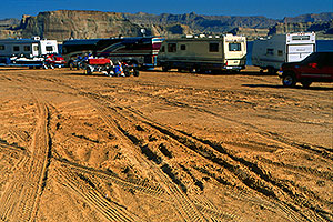 Motorhomes in the morning at Lone Rock