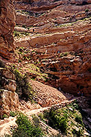 People along the top switchbacks of South Kaibab Trail