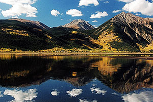 images of Twin Lakes