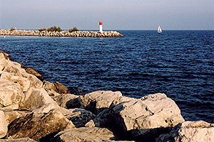 images of Oakville harbour in Ontario