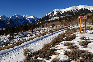 trailhead of Mt Elbert from south side