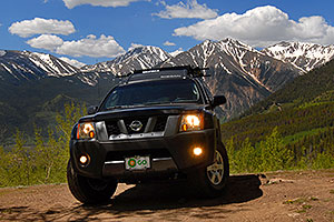 Xterra near Mt Elbert with mountains in the background
