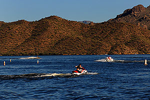 Boats and Jetskis at Saguaro Lake