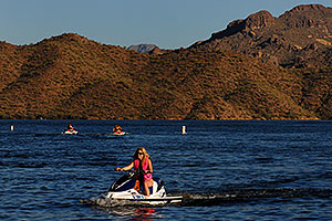Jetskis at Saguaro Lake