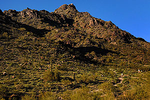 Hikers at the bottom of Squaw Peak Mountain in Phoenix