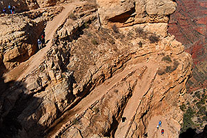 Hikers along South Kaibab Trail in Grand Canyon