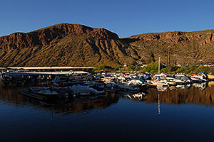 Boats at dock at Canyon Lake in Superstitions