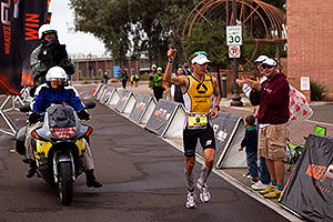 08:06:21 - #9 Timo Bracht [1st,GER,08:07:16] finishing first - Ironman Arizona 2010