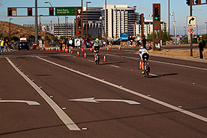 02:16:19 - #43 Kevin Everett [29th,USA,09:14:47] just behind leader #10 near end of Lap 1 - Ironman Arizona 2010