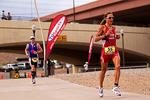 06:21:25 - #55 Chrissie Wellington [1st,USA,08:36:13] running for eventual first place - Ironman Arizona 2010