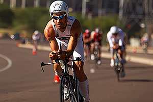 02:52:12 - #23 Eneko Llanos [SPA] (eventual winner in 07:59:38) at start of Lap 2 - Ironman Arizona 2011