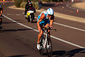 02:26:18 - #41 Lewis Elliot [USA] (eventually 17th in 08:38:13) at start of Lap 2 - Ironman Arizona 2011