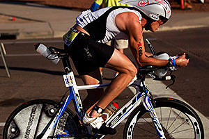 02:29:12 - #26 Nicholas Peter Ward Mun [GBR] (eventually DNF bike) at start of Lap 2 - Ironman Arizona 2011