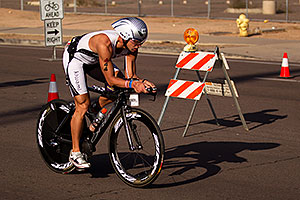 02:41:59 - #44 Jeff Paul (eventually 32nd in 09:05:19) at start of Lap 2 - Ironman Arizona 2011