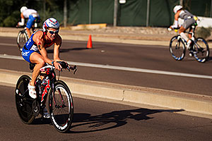 02:43:31 - #86 Charisa Wernick [USA] (eventually 61st in 09:22:37) at start of Lap 2 - Ironman Arizona 2011