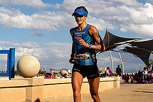 07:48:32 - #70 Linsey Corbin [USA] (2nd in 08:54:33) finishing Lap 2 - Ironman Arizona 2011