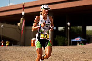 06:40:19 - #94 Kathleen Calkins [USA] (eventual 7th in 09:12:40) in Lap 1 - Ironman Arizona 2011