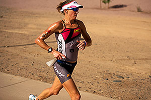 06:40:32 - #79 Kelly Williamson [USA] (eventual 6th in 09:12:18) in Lap 1 - Ironman Arizona 2011