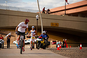 06:45:19 - #23 Eneko Llanos [SPA] (second by 10 seconds, eventual winner by 1:51min in 07:59:38) in  Lap 2 - Ironman Arizona 2011