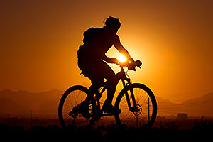 10:18:31 #10 [42nd, 10 laps, 11:36:48] mountain biking at sunset at 12 Hours of Papago 2012 …