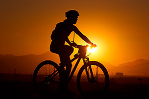 10:23:46 #416 mountain biking at sunset at 12 Hours of Papago 2012 …